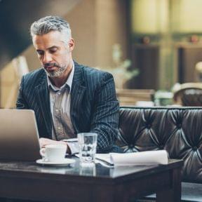 外国人を雇用する時の必要書類と手続きを理解して安心して働ける環境を提供しよう