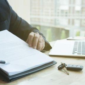 契約の解除方法について~損害賠償から通知書までまとめて解説!~