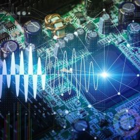 アリババが参入表明した「AIチップ」開発競争、新技術の台頭をスタートアップはどう生かすか(あすへのヒント)