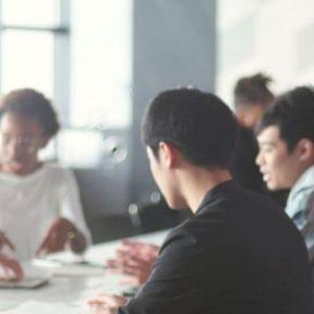 起業する方法、リスク、アイデア、資金、失敗などをまとめて紹介!【起業家50名にアンケート実施】