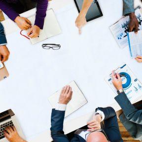行政書士の業務選び|専門を決めるべきか