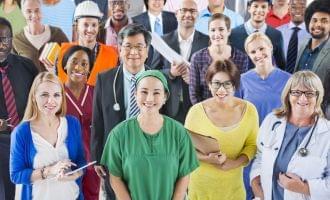 外国人を雇用する場合の手続きと必要書類